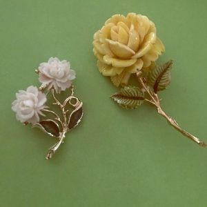 Jewelry - Pair of Vintage rose brooches